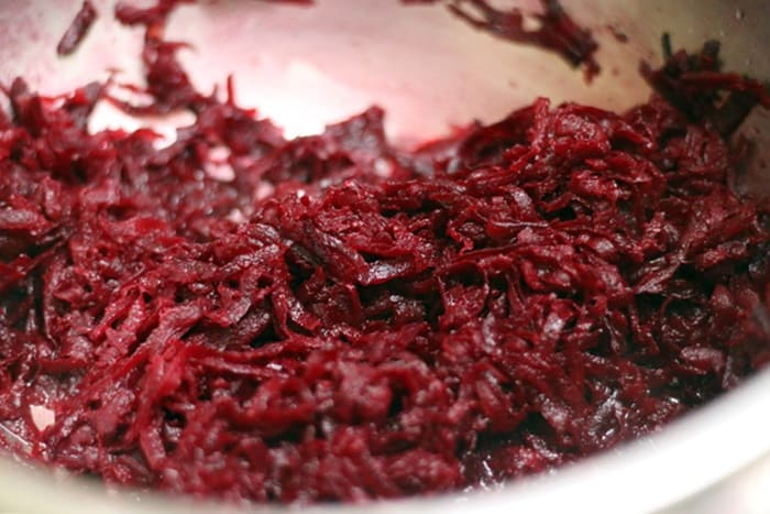 making beetroot halwa recipe step 3