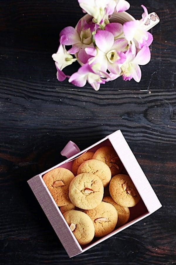 nankhatai packed in gift box for diwali