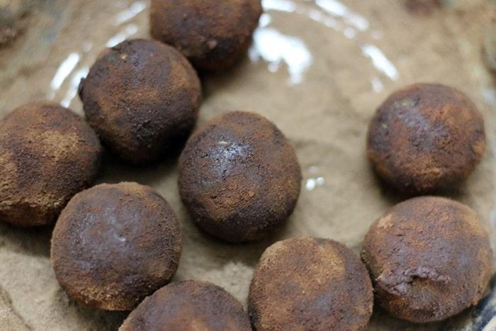 How to make energy balls recipe step 6