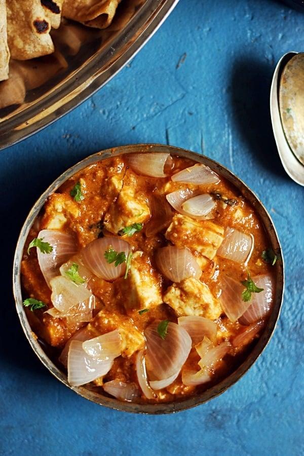 paneer do pyaza served with roti