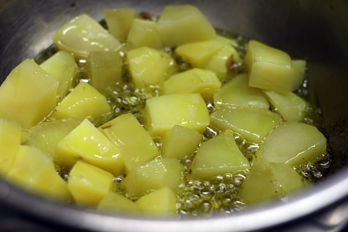 Shallow frying boiled potatoes