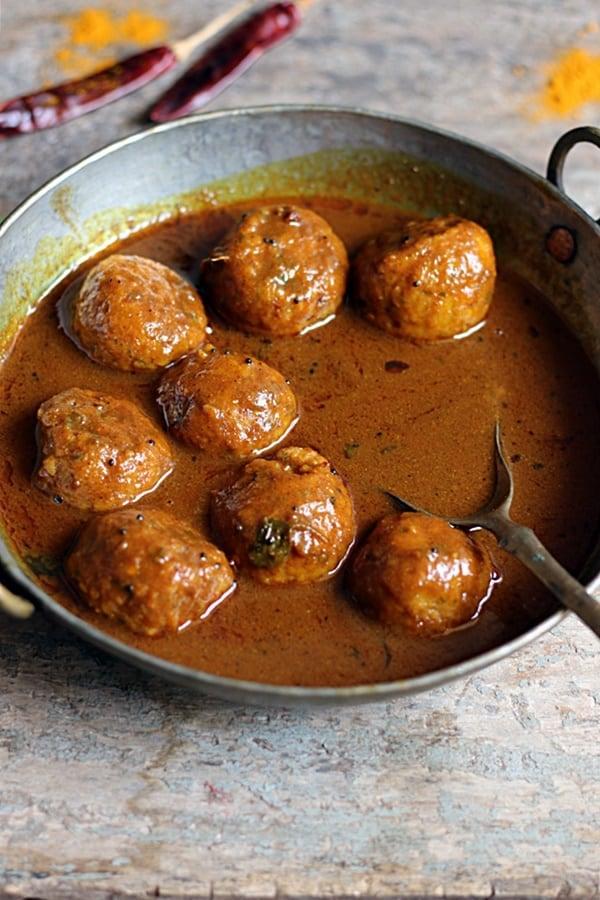 how to make paruppu urundai kuzhambu recipe