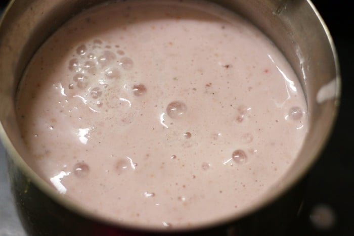 easy almond strawberry milkshake recipe