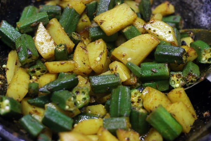 Bhindi aloo ready to serve