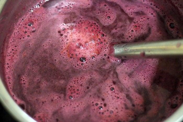 Making beetroot juice recipe