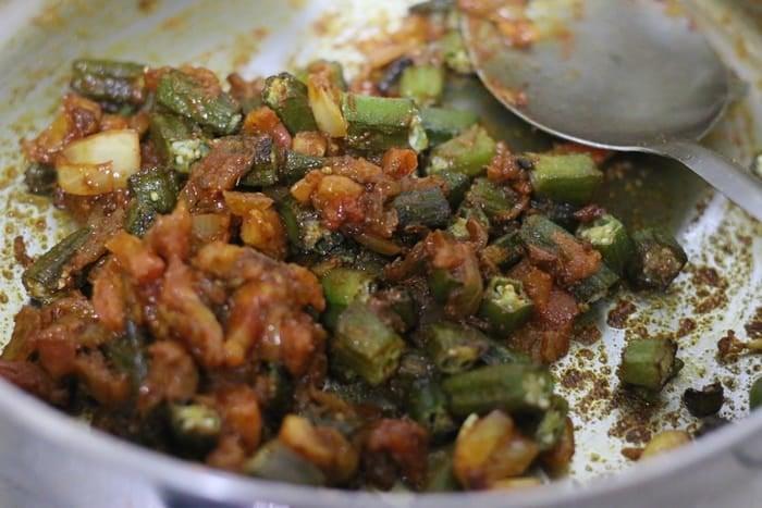 bhindi masala ready to serve