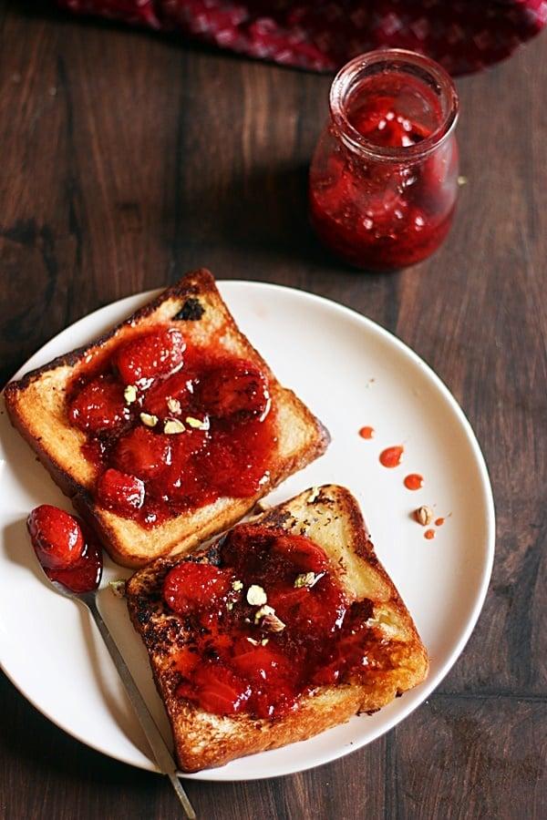 easy strawberry toast