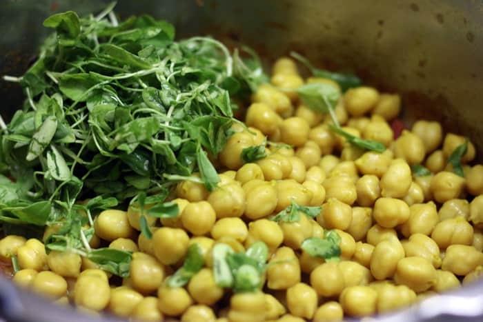 preparing methi chole curry recipe