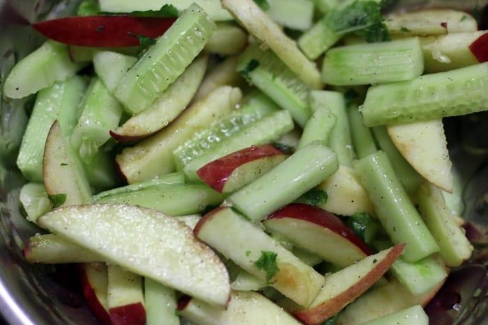 apple cucumber salad recipe preparation