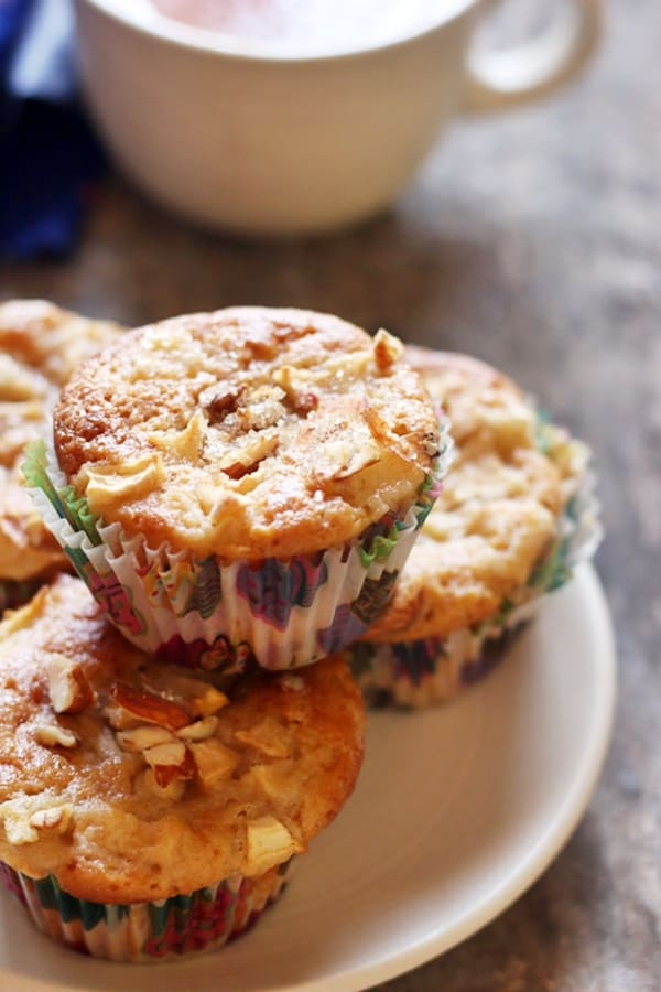 apple muffin ready to serve