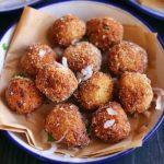 crispy cauliflower nuggets served for snacks