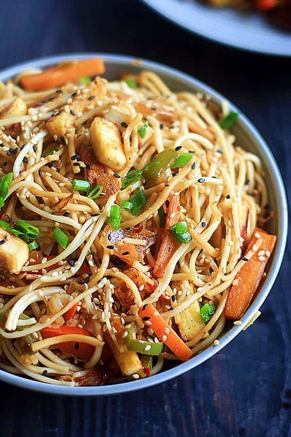 sesame noodles ready to serve