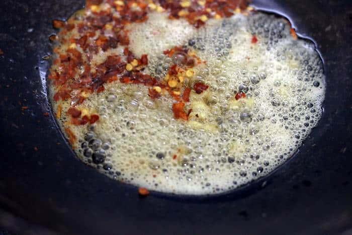 sauteing ginger garlic in oil