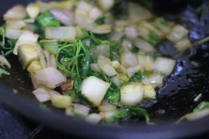 frying onion, garlic in oil