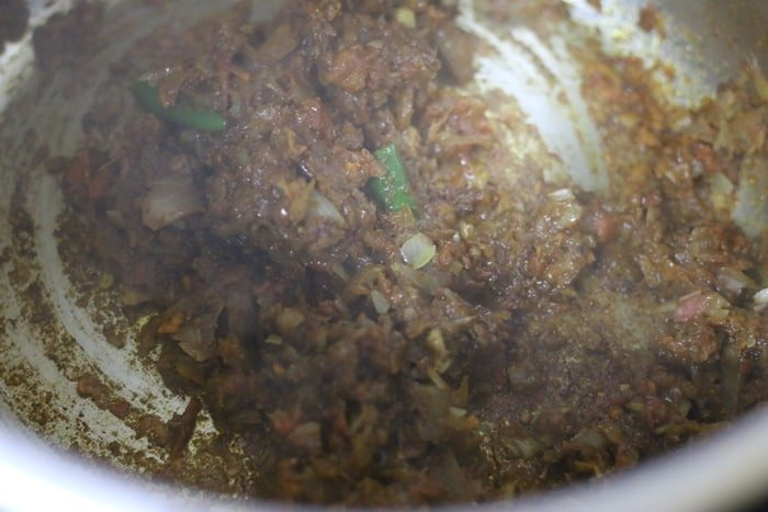 base onion tomato masala for amritsari chole