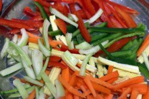 ingredients for drunken noodles-vegetables