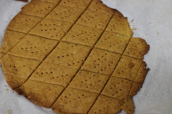baked crispy besan papdi
