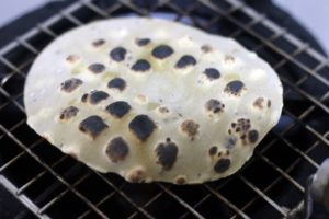 roasting papad in grill