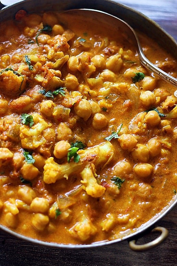cauliflower curry with chickpeas ready to serve