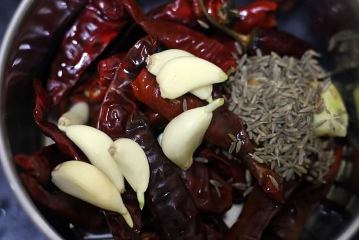ingredients for red garlic chutney