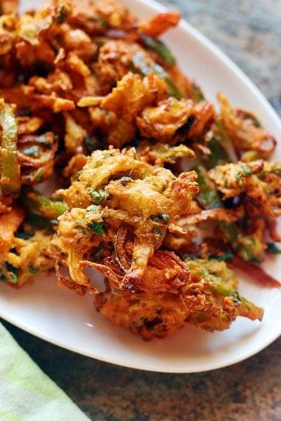 easy crispy homemade vegetable pakora