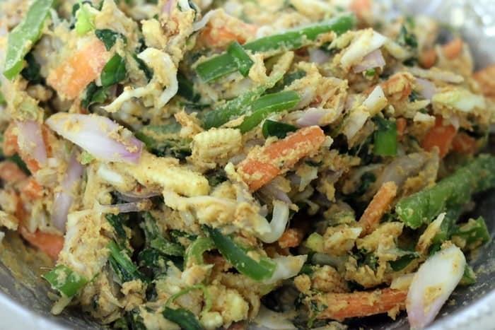 vegetable pakora mixture