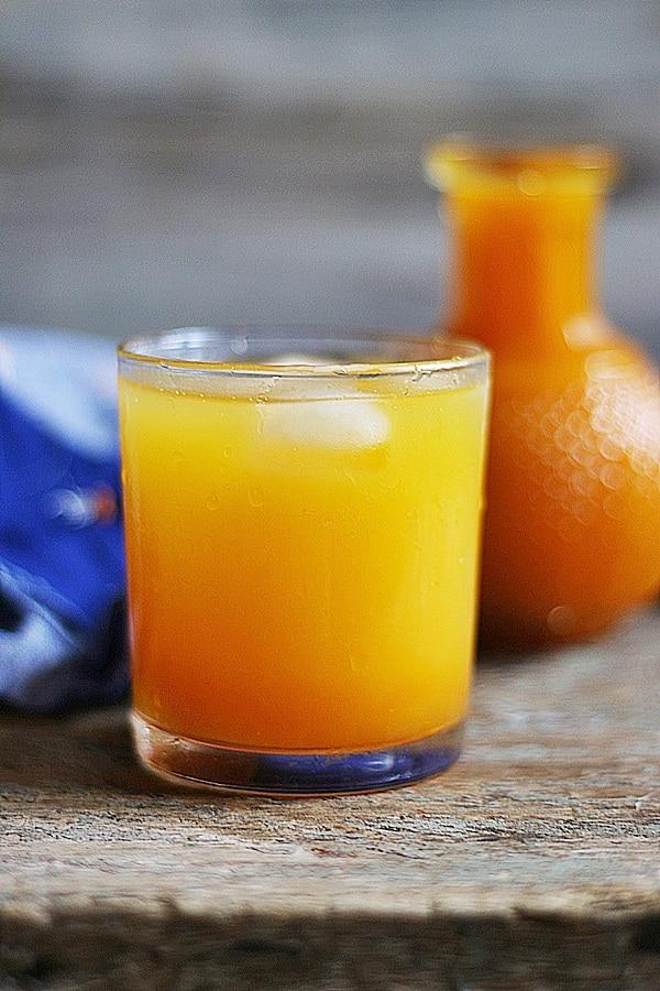 chilled mango juice