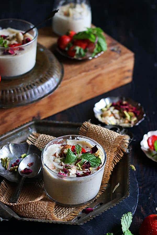 vanilla pudding served in dessert jars