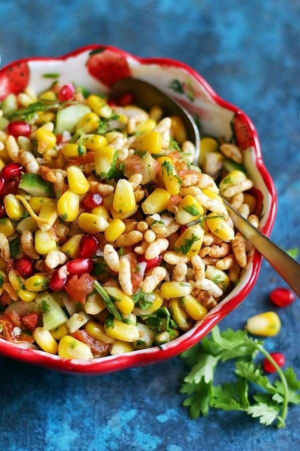 corn chaaat topped with namkeen